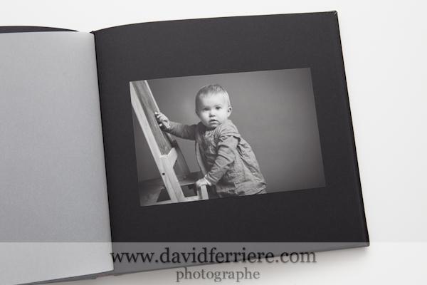 album portrait enfant noir et blanc