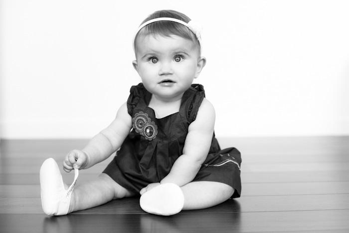 photo bébé sur parquet portrait professionnel photographe rennes